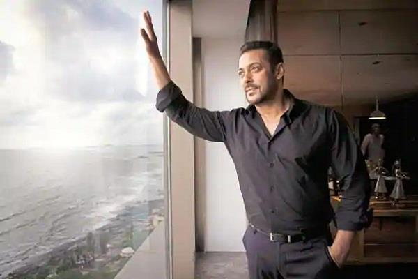 despite dating so many beauties  55 year old salman khan is single