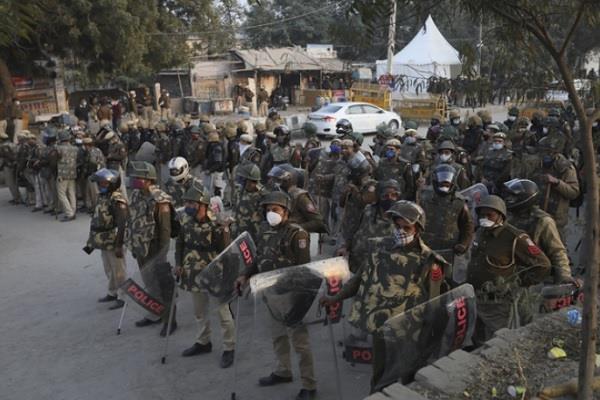 haryana farmers protest badarpur border police force deployed