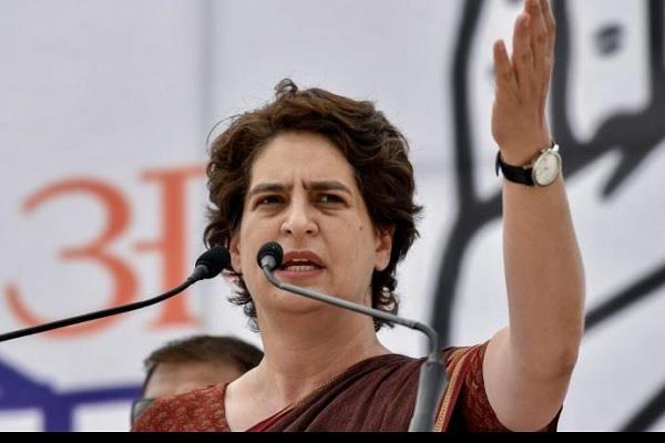 uttar pradesh dalits priyanka gandhi atrocities yogi government