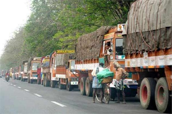 truckers union says it may stop trucks to support farmers