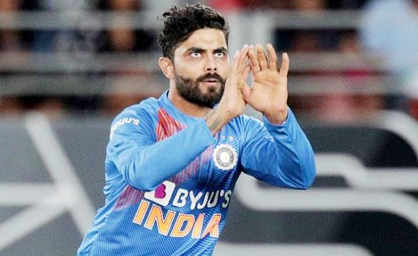 jadeja is getting the wicket of grandhoma on every second ball