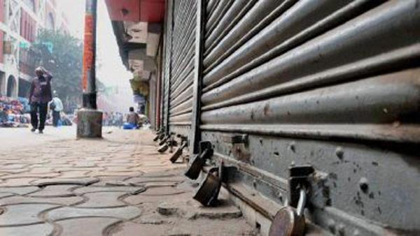 india closed with property damage and public life volatility