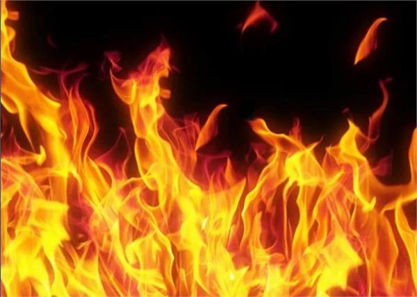 himachal fire 5 shops fire brigade