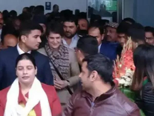 congress leader priyanka gandhi vadra in varanasi