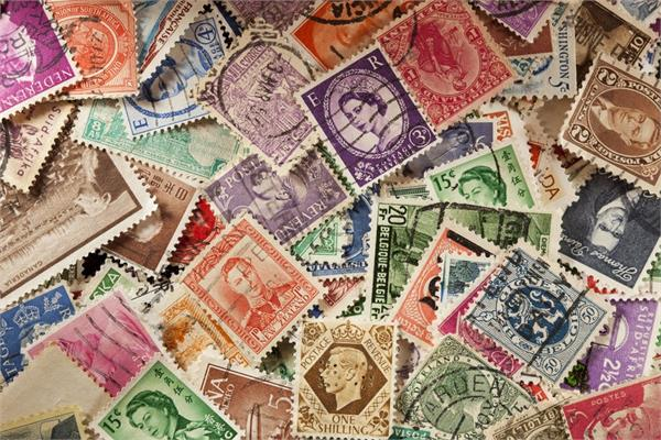 dubai based indian stamp collection is worth 19 4 lakh