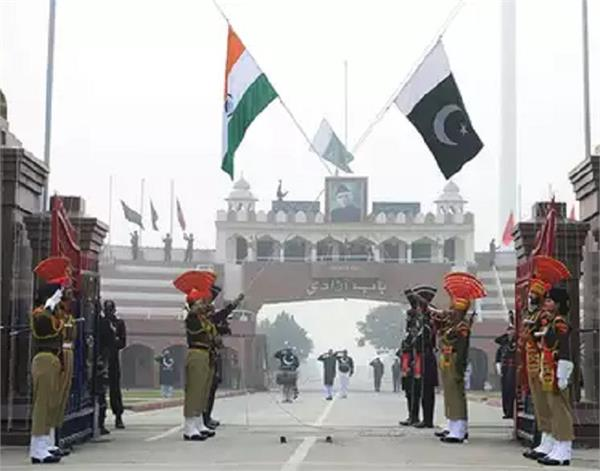 amritsar  wagah border  india  pakistan  hindu family