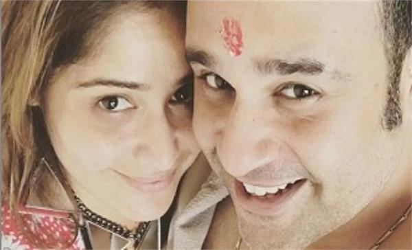 krishna abhishek posts adorable throwback video of arti singh