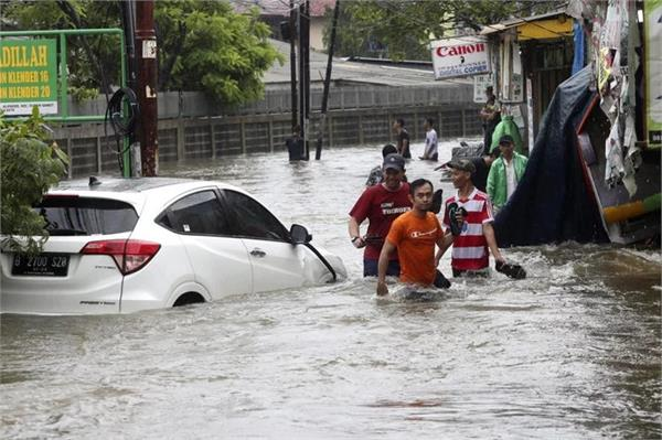 four die in indonesia floods