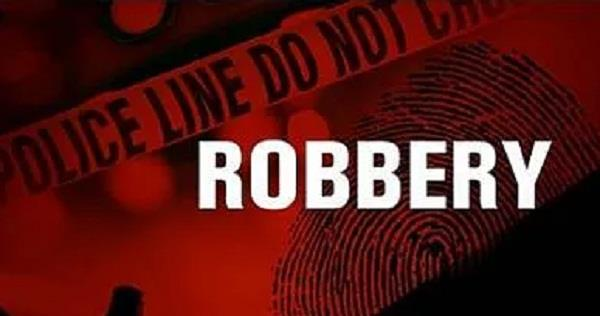 finance company in lakhs rupees robbery