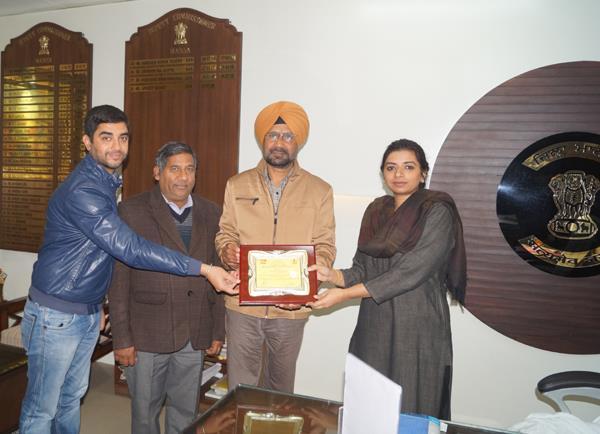mansa district receives state level award