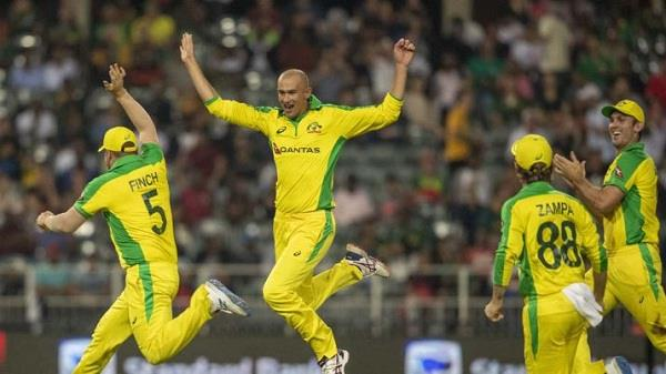t20  australia wins explosives over south africa