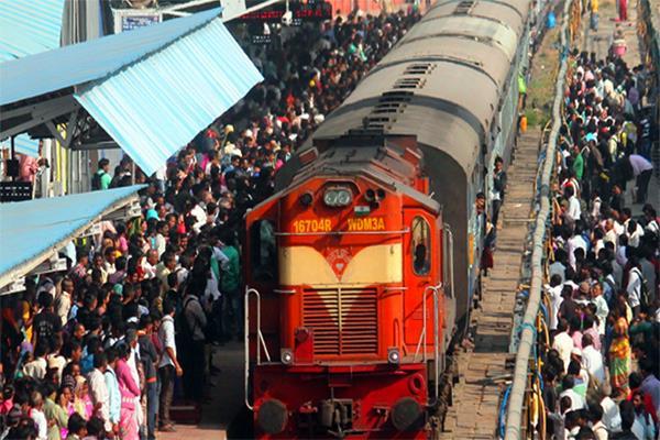 500 agitators buy tickets to board train
