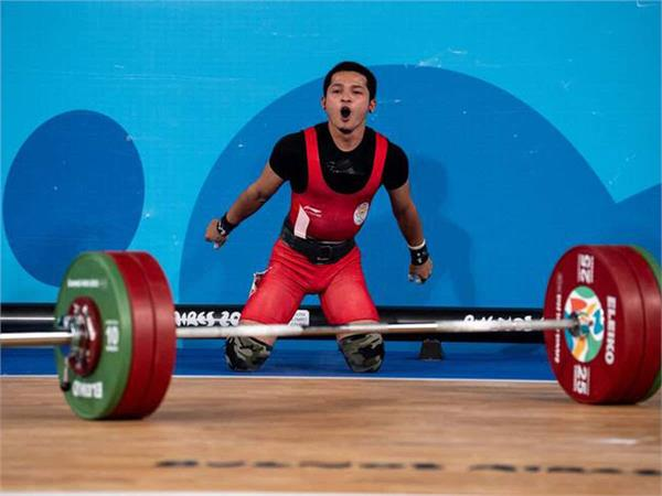 jeremy lalrinnunga bags gold with national record