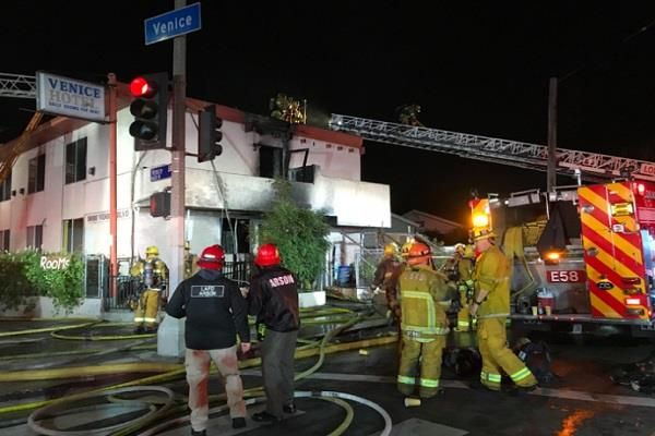 1 killed  7 injured in los angeles hotel fire