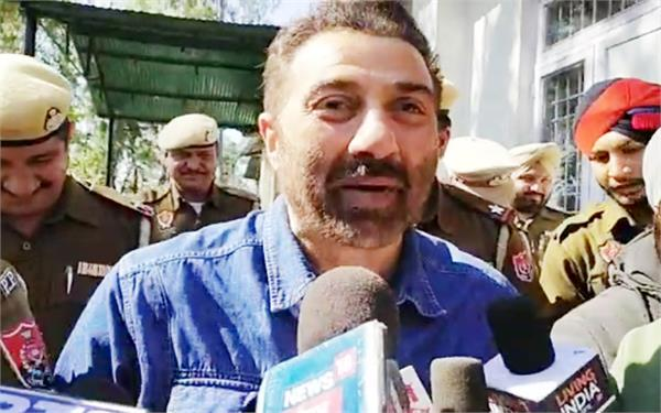 sunny deol  pathankot  gift