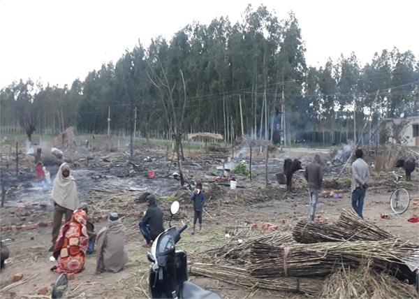 migrant laborers  slum dwellers