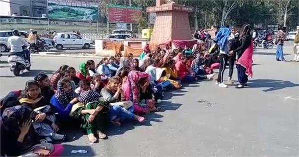 students protest jalandhar