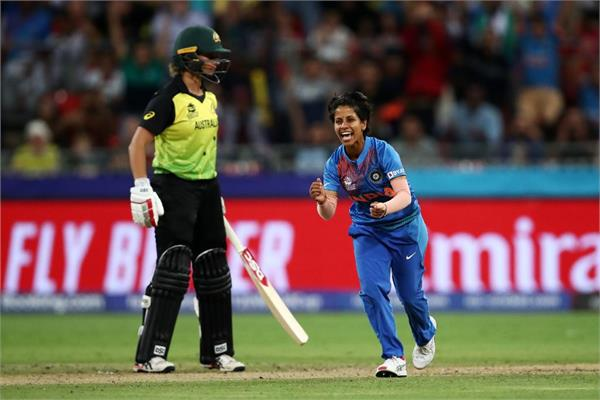 poonam yadav s charismatic bowling missed hat trick but won heart
