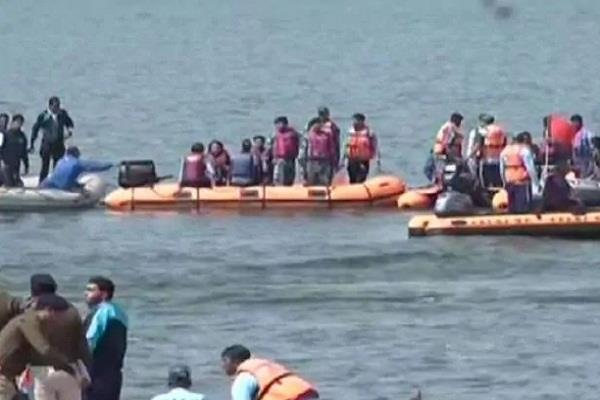 bhopal boat overturned in lake during ips conclave