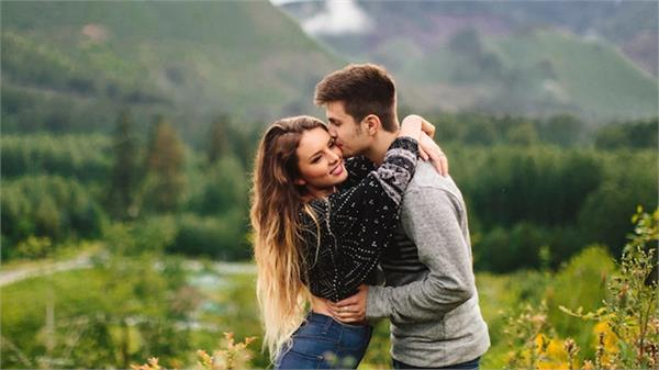scientists warn before valentine  s day  avoid kiss and hug