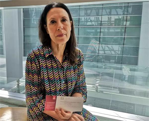 indian slanderous british mp stopped at delhi airport