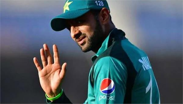 currently shoaib malik can retire from t20 cricket