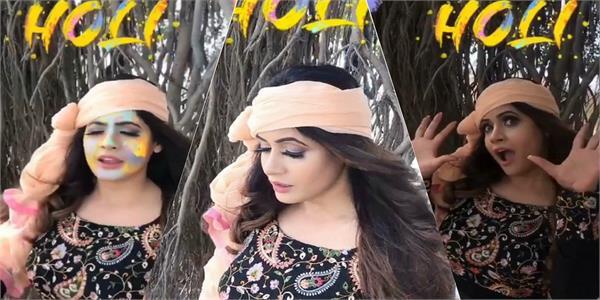 punjabi singer miss pooja celebrates holi by dance on old hindi song
