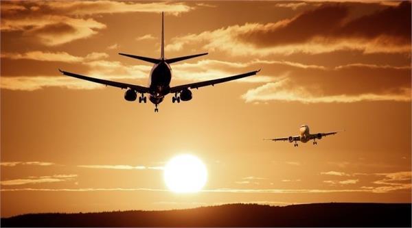 domestic air flight  passengers hardeep singh puri