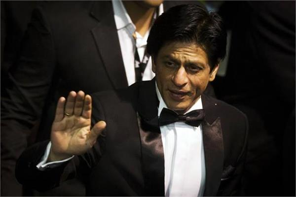 hope covid 19 subsides and show goes on  kkr co owner shahrukh khan