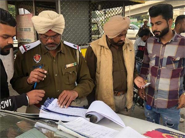 bullet motorcycle  jalandhar traffic police