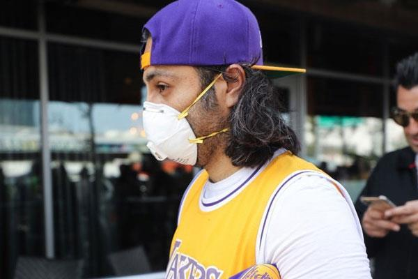 two players on the lakers have tested positive for the coronavirus