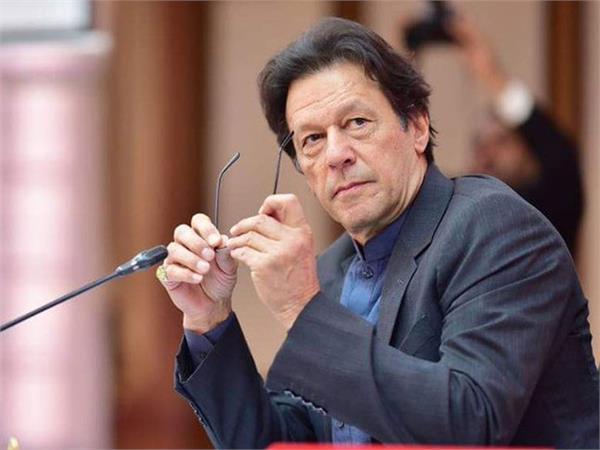 pakistan seeks   3 7 billion loan to fight corona