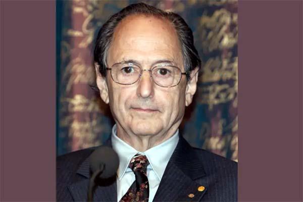 nobel laureate scientist claims corona virus will end soon