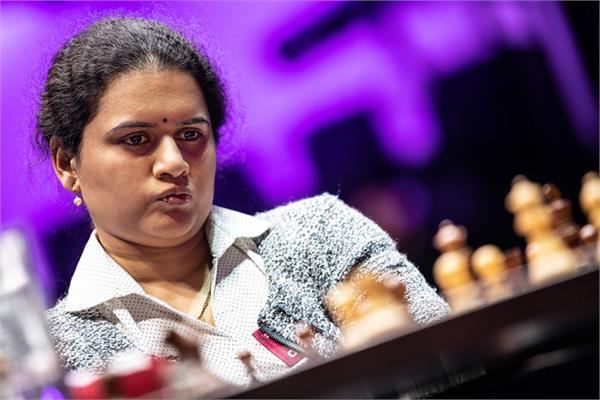 hampi retains second place in world chess rankings