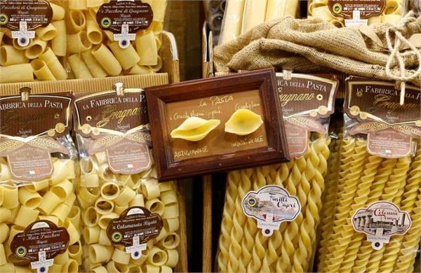 corona crisis  germany sends 200 tonnes of pasta from italy