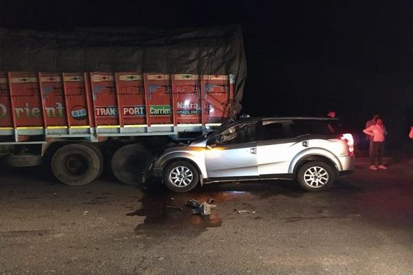gujarat accident five people killed one injured