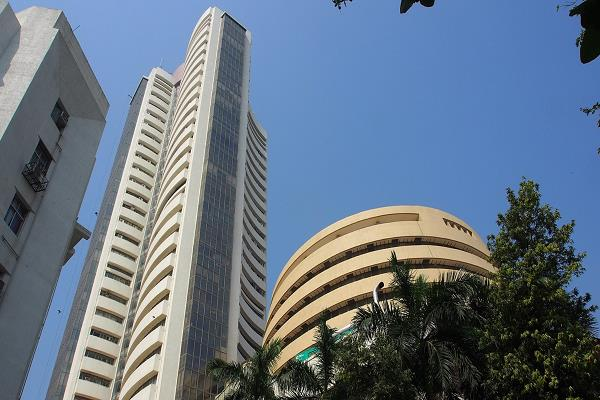 sensex down 449 points  nifty 122 points lower