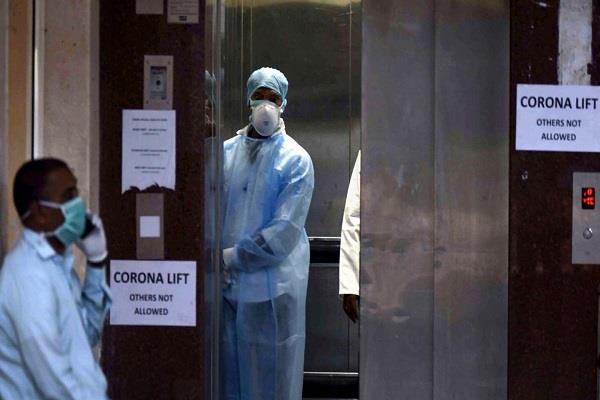 indore coronavirus 900 patients ministry of health