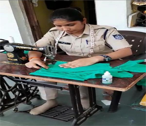 lockdown duty this female officer preparing masks