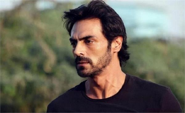 arjun rampal provide ppe kits to bmc healthcare workers