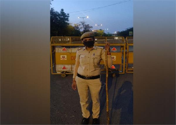 wore khaki to serve people  delhi police constable duty