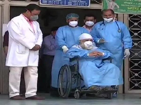 82 years old patient manmohan singh corona negative discharged