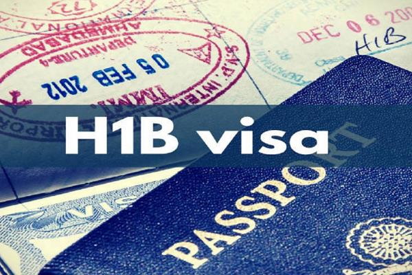 more than 2 lakh h 1b visa holders face difficulty