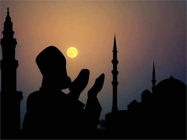 imams urge to offer prayers at home during ramadan