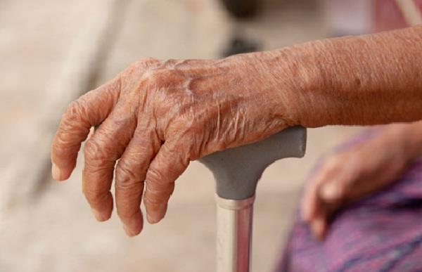 98 year old indian origin woman beats covid 19 to return to uk home
