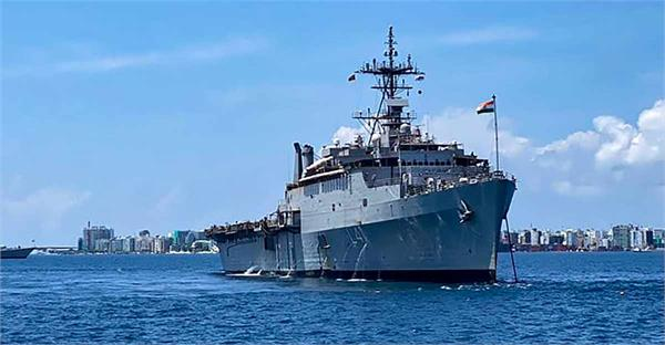 navy  s ins reservoir leaves maldives with 698 indians