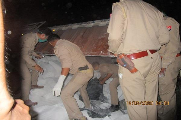 road accident in uttar pradesh workers died