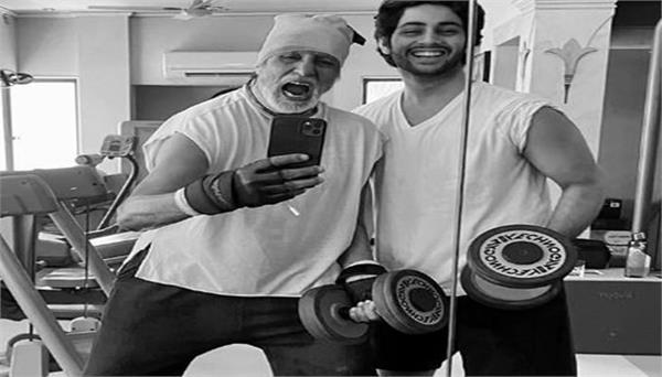 amitabh bachchan shares workout photo with grandson agastya nanda