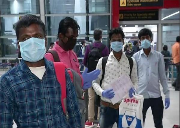 chief minister hemant soren mumbai plane jharkhand 180 migrant workers