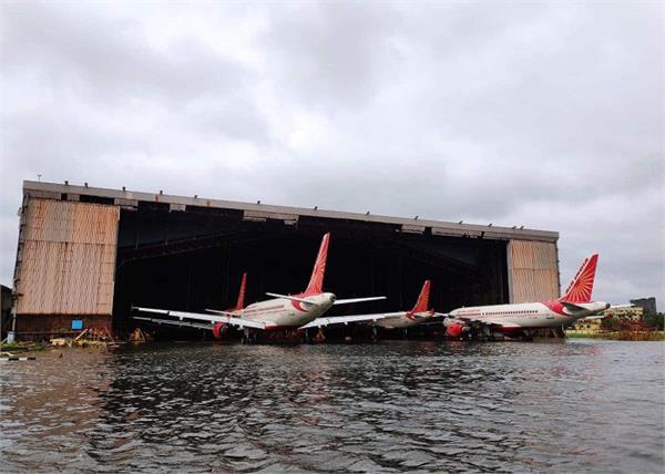 amphan cyclone kolkata airport flooded